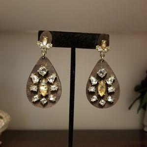 Jewelry - Wooden embellished earrings